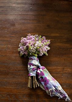 Hostess Gift: Scarf wrapped flower bouquet