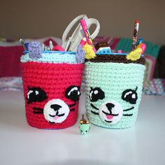 [Free Patttern] Adorable Crochet Pencil Holder Every Kid Should Have ( At Least One!) - http://www.dailycrochet.com/free-patttern-adorable-crochet-pencil-holder-every-kid-should-have-at-least-one/