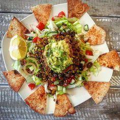 Need to make this taco salad again ASAP!  #tbt #vegan #meatfree #hclf #wfpb #plantbased #plantstrong #quinoa #tacosalad #throwbackthursday #love #food #instagood #veganfoodshare #whatveganseat #vegansofig #bestofvegan #dairyfree #crueltyfree #nomeatnoproblem #dairyisscary #yum #health #veganfit #beansandgreens #photooftheday #nutrition #21dayfixvegan Fruit Bat, 21 Day Fix, Fig, Quinoa, Dairy Free, Tacos, Beans, Nutrition, Salad