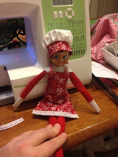 This pattern will fit an elf on the shelf doll. #elfontheshelf #elf #christmas