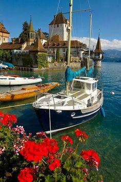 Sailing next to Oberhofen Castle on Lake Thun (Bernese Oberland Switzerland). Beautiful Places In The World, Beautiful Places To Visit, Places Around The World, Wonderful Places, Places To Travel, Places To See, Lake Thun, Swiss Travel, Belle Photo