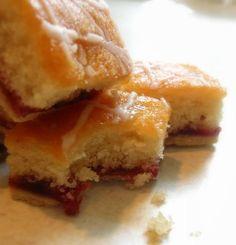 The English Kitchen: Strawberry Jam Tray Bake Tray Bake Recipes, Uk Recipes, Sweet Recipes, Baking Recipes, Yummy Treats, Sweet Treats, Yummy Food, Coconut Jam, Jam Tarts