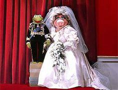 Kermit and Miss Piggy royal wedding Miss Piggy Muppets, Kermit And Miss Piggy, Kermit The Frog, Princess Diana Wedding Dress, Sesame Street Muppets, Jim Henson, Royal Weddings, Prom Dresses, Wedding Dresses