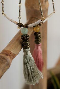 Accesorios de Moda · Elegantes colgantes de bisutería fina hechos a mano  para mujer con el toque único y exótico 37f85d1b45ae