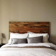 Incredible design ideas barn wood headboard brilliant with cedar style modern rustic handmade in is on of picture from barn wood headboard. Find more barn wood headboard pictures like this one in this gallery Rustic Wood Headboard, Headboard Designs, Headboard Ideas, Chevron Headboard, Headboards For Beds, Wooden Headboards, Bed Styling, My New Room, Feng Shui