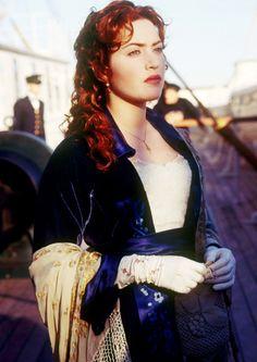 "The ""Flying"" dress worn by Kate Winslet as Rose Dewitt- Bukater on Titanic Titanic Kate Winslet, Kate Titanic, Kate Winslet 1997, Leonardo Dicaprio, Film Titanic, Titanic Prom, Titanic Movie Facts, Titanic Dress, Titanic Costume"