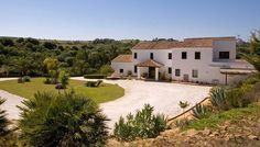 Excellent country house in Sotogrande next to the courts of Ayala Polo Club, near to Los Alcornocales Natural Park, ideal for both enjoying nature and the social life of Sotogrande. Costa, Luxury Estate, Natural Park, Polo Club, Mansions, Country, House Styles, Nature, Life