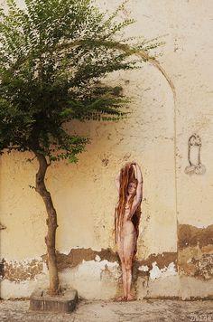 """La Chevelure"", Naples, by brillant street artist Zilda Graffiti Art, Street Art Banksy, Murals Street Art, Street Art Love, Urban Street Art, Urban Art, Rennes France, Art Rupestre, Arte Popular"