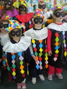 5o - 7o ΝΗΠΙΑΓΩΓΕΙΑ ΤΥΡΝΑΒΟΥ: Τρελό Καρναβάλι Brazil Carnival Costume, Costume Carnaval, Carnival Costumes, Halloween Costumes, Kids Crafts, Clown Crafts, Carnival Crafts, Jester Costume, Craft Party