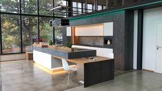Unsere Ausstellungsküche mit selbst entwickeltem Schwenktisch (hier zugeschwenkt) im Industry Loft Style by Ebbecke-excellent einrichten