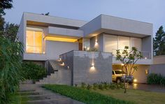 Residência Guimarães by BCMF Architects