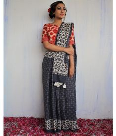 Handwoven & Block Printed Silk, Linen & Cotton sarees for every occasion. Carry your attire from our wide range of designer sarees. Cotton Saree, Silk Sarees, Casual Saree, Ikkat Saree, Printed Cotton, Fashion Online, Sari, Grey, Prints