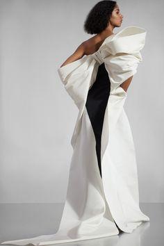 Carolina Herrera Pre-Fall 2020 Fashion Show - Vogue Fashion 2020, Runway Fashion, Fashion Show, Fashion Weeks, London Fashion, Fashion Fashion, Fashion Beauty, Fashion Tips, Carolina Herrera Bridal