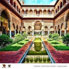 Sevilla. Reales Alcazeres. Patio de las Doncellas.