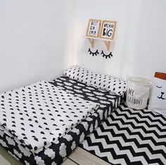 Cute Bedroom Decor, Small Room Bedroom, Girls Bedroom, Home Room Design, Master Bedroom Design, Mattress On Floor, Small Apartment Interior, Minimalist Room, Aesthetic Rooms
