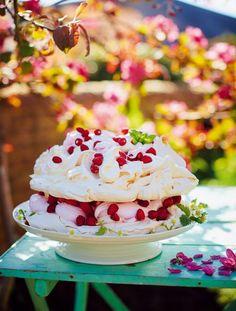 Marshmallow pavlova from Jamie Oliver. Oh my goodness. ITS SO FLUFFY I'M GONNA DIE!