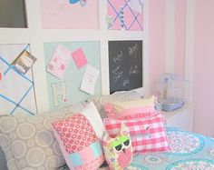 Pre-teen Girl's Bedroom --- love the molding 'board's on wall