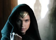 Wonder Woman Gives You A Piercing Stare In The First Official Movie Picture