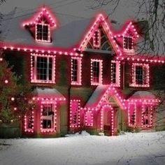 Pink Christmas | http://confessionsofaholidayjunkie.blogspot.de/2014/07/p.html