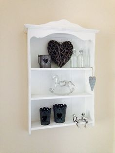 Shabby chic shelf.