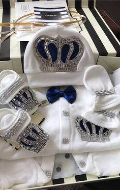 Adorable Jeweled Baby Set. It's perfect for taking babies home and introducing them to new families. The Crown Jewels Set is available for boys and girls in various colors.