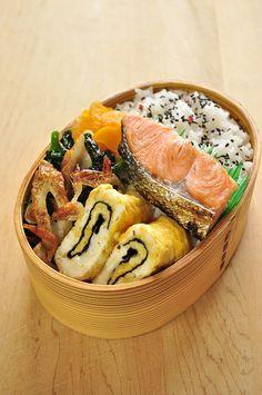 おはようございます。 きのうは横須賀市久里浜コミュニティーセンターでお料理教室でした。 今回の教室のために、フライパンで作れる、でも特別な... Bento Recipes, Baby Food Recipes, Healthy Recipes, Healthy Snacks, Japanese Snacks, Japanese Food, Menue Design, Work Lunch Box, Hotel Food