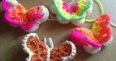 Virkattu perhonen, perhonen, ohje virkatttuun perhoseen, virkkaus, virkattu koriste, virkatun perhosen ohje Easy Crochet, Handicraft, Diy And Crafts, Crochet Earrings, Owl, Embroidery, Knitting, Easy Patterns, Crocheting