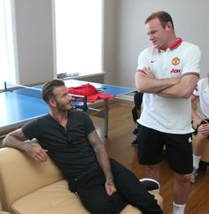 Wayne Rooney catches up with former @manutd player David Beckham on the 2014 pre-season tour of the USA.