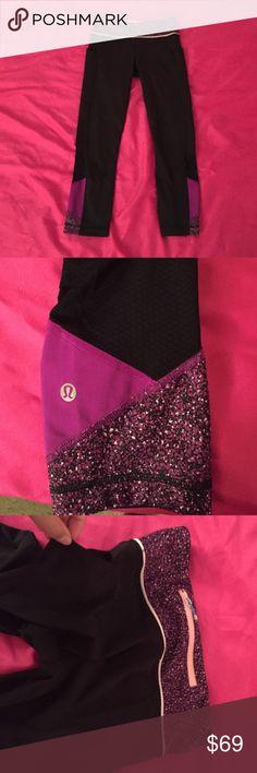 Lululemon capris So cute excellent condition has two little side pockets lululemon athletica Pants Capris