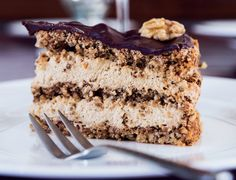 Decadent Danish whalnut layer cake with mocca coffee cream. Danish Cake, Danish Food, Magic Chocolate Cake, Cake Recipes, Dessert Recipes, Tummy Yummy, Sweets Cake, Cakes And More, No Bake Desserts