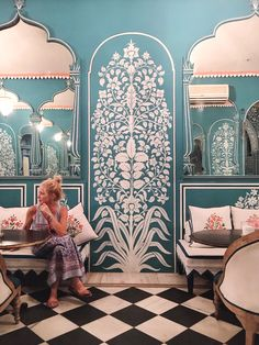 African Decor Update - What's the Inspiration Behind African Home Decor? Persian Architecture, India Architecture, Beautiful Architecture, Interior Architecture, Interior Design, Studio Interior, Mural Art, Wall Murals, Textile Pattern Design