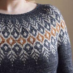 Sweater Knitting Patterns, Knitting Designs, Knit Patterns, Knitting Projects, Poncho Sweater, Men Sweater, Punto Fair Isle, Icelandic Sweaters, Warm And Cozy