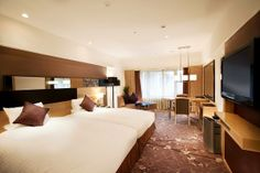 Photo by Kyoto Brighton Of all the hotels in Japan we stayed in, this was my favourite. I was aware that the Kyoto Brighton was a fiv. Brighton Hotels, Go To Japan, Hotel Reviews, Japan Travel, Kyoto, Bed, Furniture, Home Decor, Decoration Home