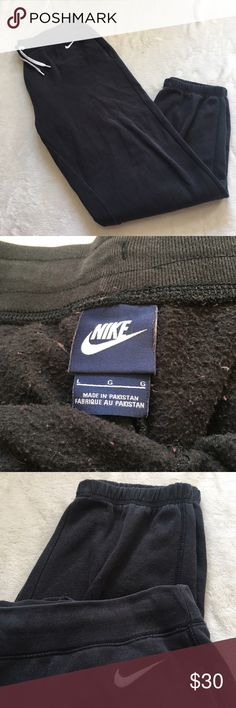 Nike sweat pants Size large! Tight at the bottom! Excellent condition Nike Pants