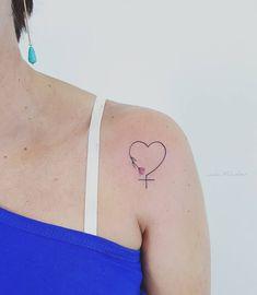 Grl pwr! Obrigada mais uma vez, Cassiane #tattoo #tattoos #tatuagens #tats #tattooedgirls #tatuagensfemininas #tatuagemideal #minitattoo #minimal #heart #flowertattoo #botanicaltattoo #raminho #venus #mulher #tatuagensdelicadas #tattooart #tattoobr #tatouaje #watercolortattoos #aquarela #feminism #glrpwr #girlpower #respeito #tattoo #tattoos #inkedgirls