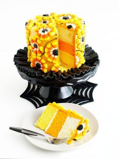 4. Festive candy corn cake that everybody will remember.