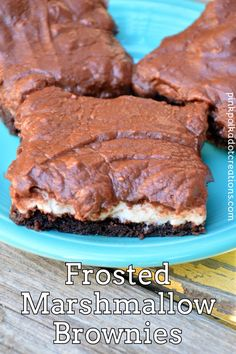 These brownies are so delightful with a chewy brownie layer, a fluffy marshmallow layer and a layer of sweet chocolate frosting! Dessert Cake Recipes, Brownie Recipes, Dessert Bars, Just Desserts, Cookie Recipes, Delicious Desserts, Marshmallow Brownies, Chewy Brownies, Chocolate Lasagna Cake