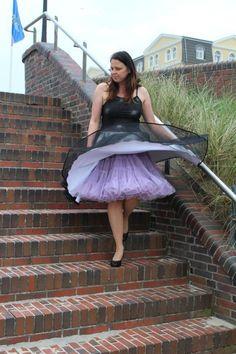 - Pretty Dresses, Beautiful Dresses, Nylons, Wind Skirt, Chiffon, Fifties Fashion, Fashion Photography Inspiration, Sweet Dress, Facon