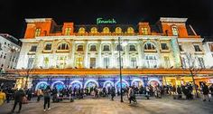 the photo of feicks a popular department store.the bright colors will attract the audiance becuae of trhe chrismass relastion. the artist all so used the logo at the top due to its different colors it stands out a lot more