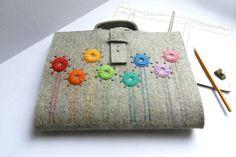 Tragbare Malmappe  für DIN A/4 mit Blume  von GrafoGraphic auf DaWanda.com