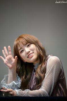 181104 Mokdong Kobaco hall fan signing #nako #izone Kpop Girl Groups, Kpop Girls, Secret Song, Gfriend Sowon, Survival, Yu Jin, Japanese Girl Group, Famous Girls, Kim Min