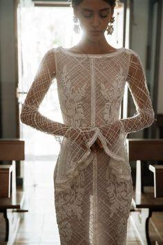 Exclusieve trouwjurk Café de Flore - J'Andreatta - Keep Its Find Bridal Dream Wedding Dresses, Bridal Dresses, Wedding Gowns, Prom Dresses, Wedding Bride, Dream Dress, Wedding Styles, Beautiful Dresses, Marie