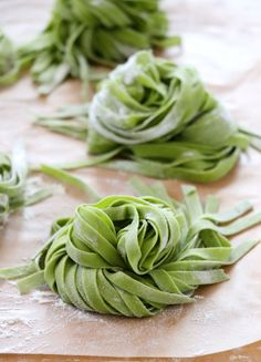 Homemade Spinach Pasta is so subtle in flavor and feels so healthy for being pasta. Making homemade pasta is a labor of love. I always say making pasta from scratch is the cheapest form of therapy. Spinach Noodles, Spinach Pasta Recipes, Pasta Noodles, Salad Recipes, Ramen, Pasta Machine, Homemade Pasta, Homemade Spinach Pasta Recipe, Homemade Food