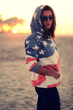 I want this sweater - american flag hoodie 70s Fashion, Cute Fashion, Modest Fashion, Korean Fashion, Winter Fashion, Vintage Fashion, Fashion Sites, Fashion Wear, Ladies Fashion