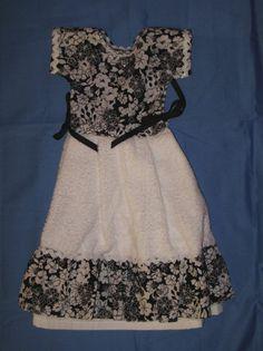 DECORATIVE KITCHEN TOWEL DRESS   BLACK AND WHITE FLOWERS