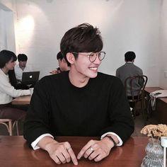 Korean Ulzzang Boys - Models male Style/Trends/Look Hair cut and Korean Boys Ulzzang, Cute Korean Boys, Ulzzang Boy, Korean Men, Asian Boys, Hot Asian Men, Ulzzang Style, Beautiful Boys, Pretty Boys
