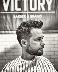 42 Best Short Haircuts For Men In 2018 - Men's Hairstyles Mens Modern Hairstyles, Smart Hairstyles, Popular Mens Hairstyles, Hairstyles Haircuts, Best Short Haircuts, Cool Haircuts, Haircuts For Men, Tapered Haircut, Short Hair Cuts