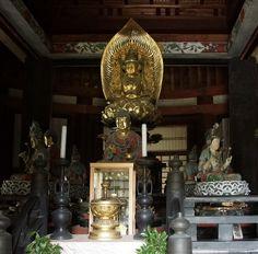 胎蔵界(法界定印)の大日如来 根来寺の大塔
