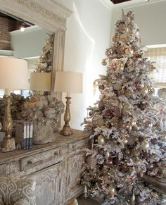 Beautiful White Flocked Christmas Tree  ~ 20 Awesome #ChristmasTree Decorating Ideas & Inspirations - Style Estate -