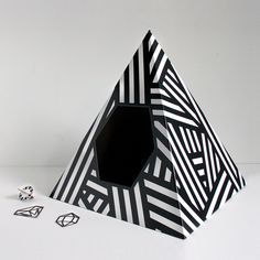{Energy Pyramid Cat House} Tiziana Agnello - this is awesome! I have the teepee one, but love this b geometric style!